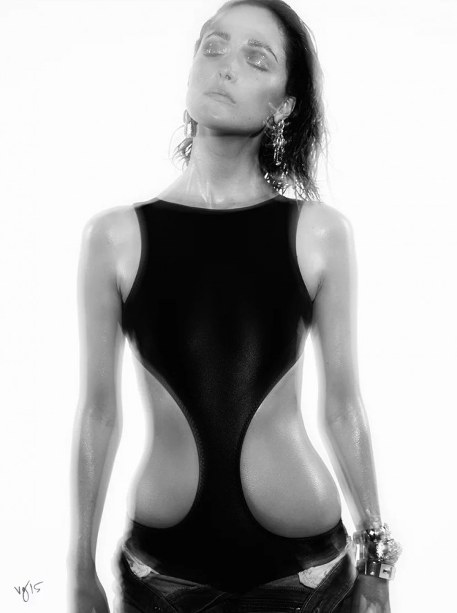 Rose Byrne –  Violet Grey Photoshoot 2015