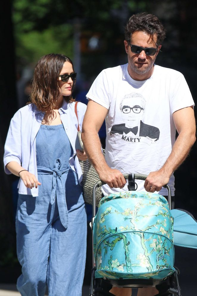 Rose Byrne with her family in New York