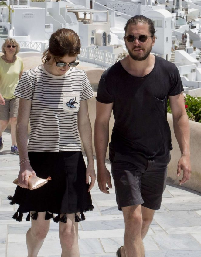 Rose Leslie and Kit Harington out in Santorini