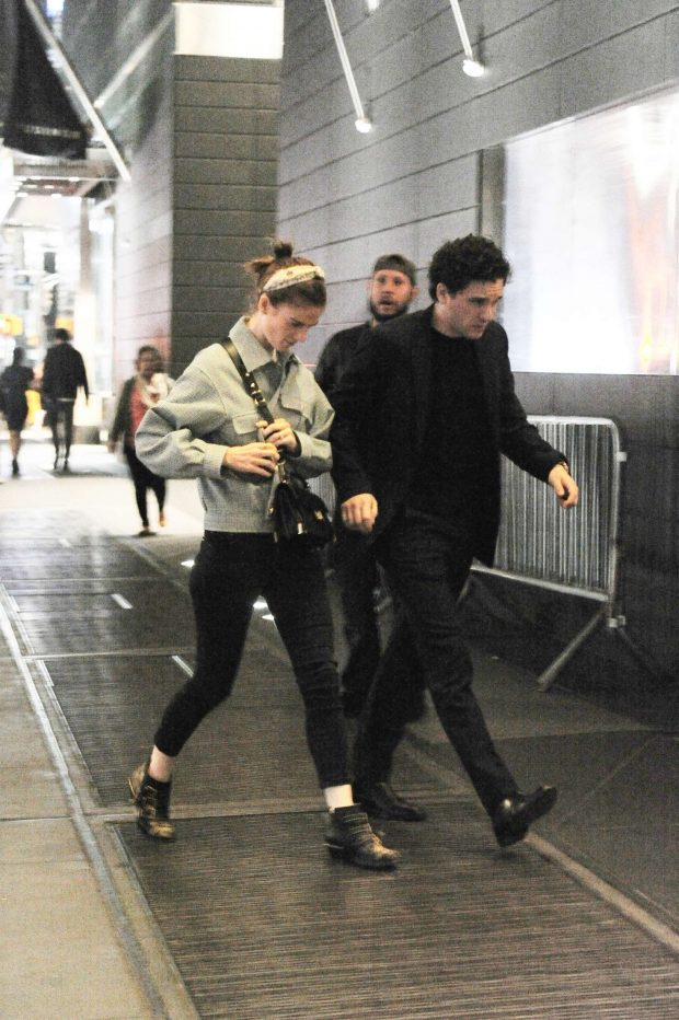 Rose Leslie ang Kit Harington: Night Out in New York City -03