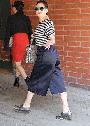 Rose McGowan - Shopping in Beverly Hills