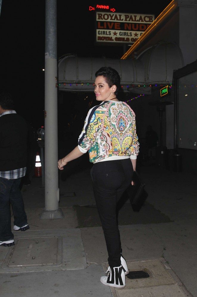 Rose McGowan - The Nice Guy Restaurant in West Hollywood