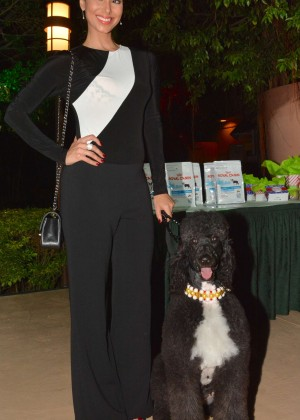 Roselyn Sanchez: Dog Fashion Show -01