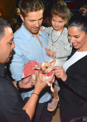 Roselyn Sanchez: Dog Fashion Show -05