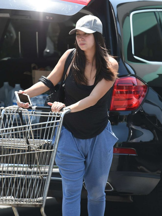 Roselyn Sanchez Shopping in Los Angeles