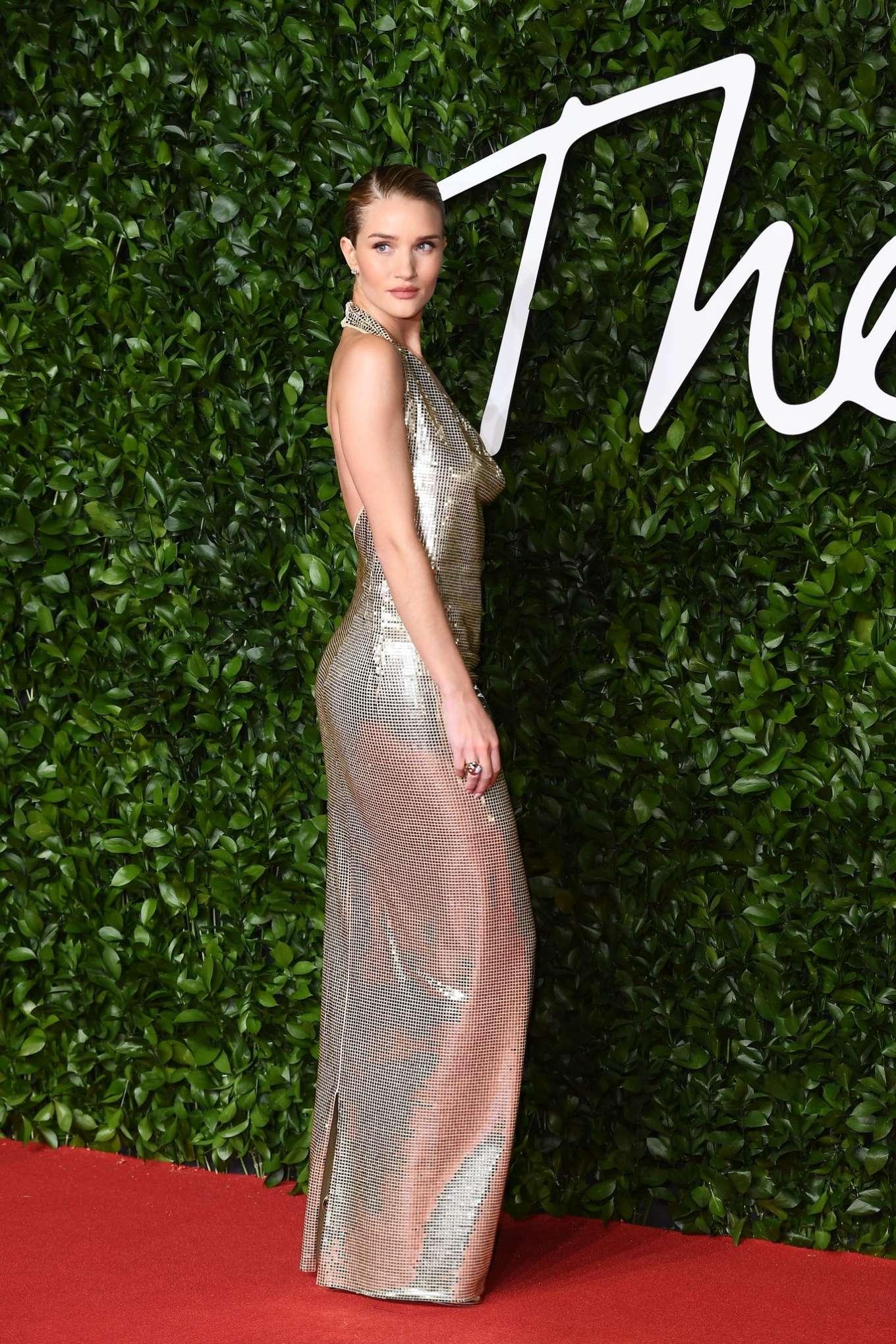 Rosie Hungtington Whiteley 2019 : Rosie Hungtington Whiteley – Fashion Awards 2019 in London-07