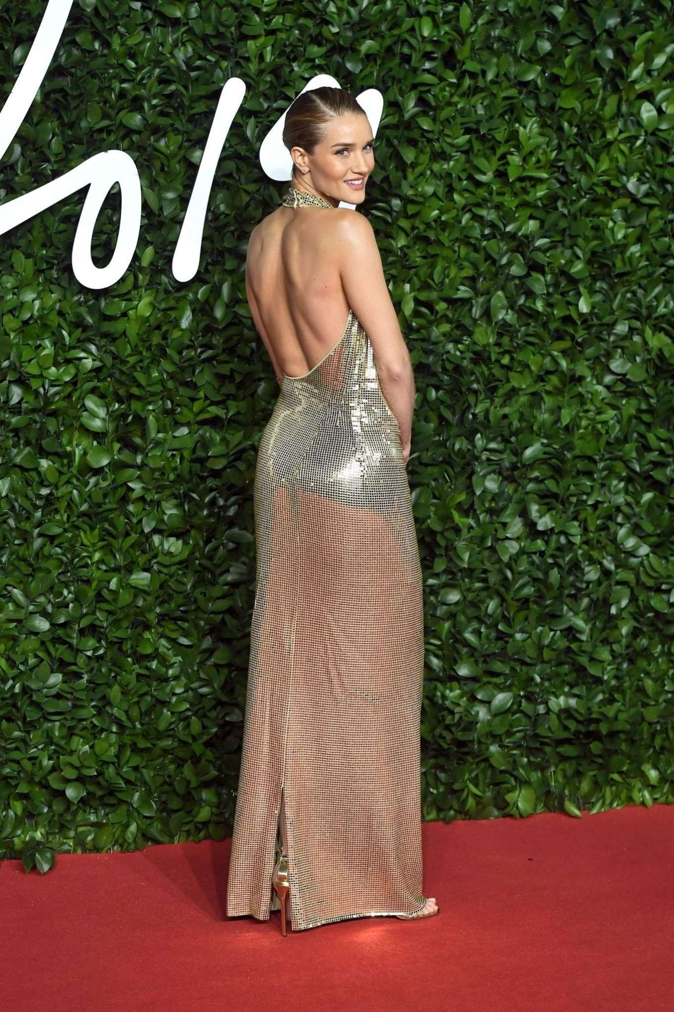 Rosie Hungtington Whiteley 2019 : Rosie Hungtington Whiteley – Fashion Awards 2019 in London-11