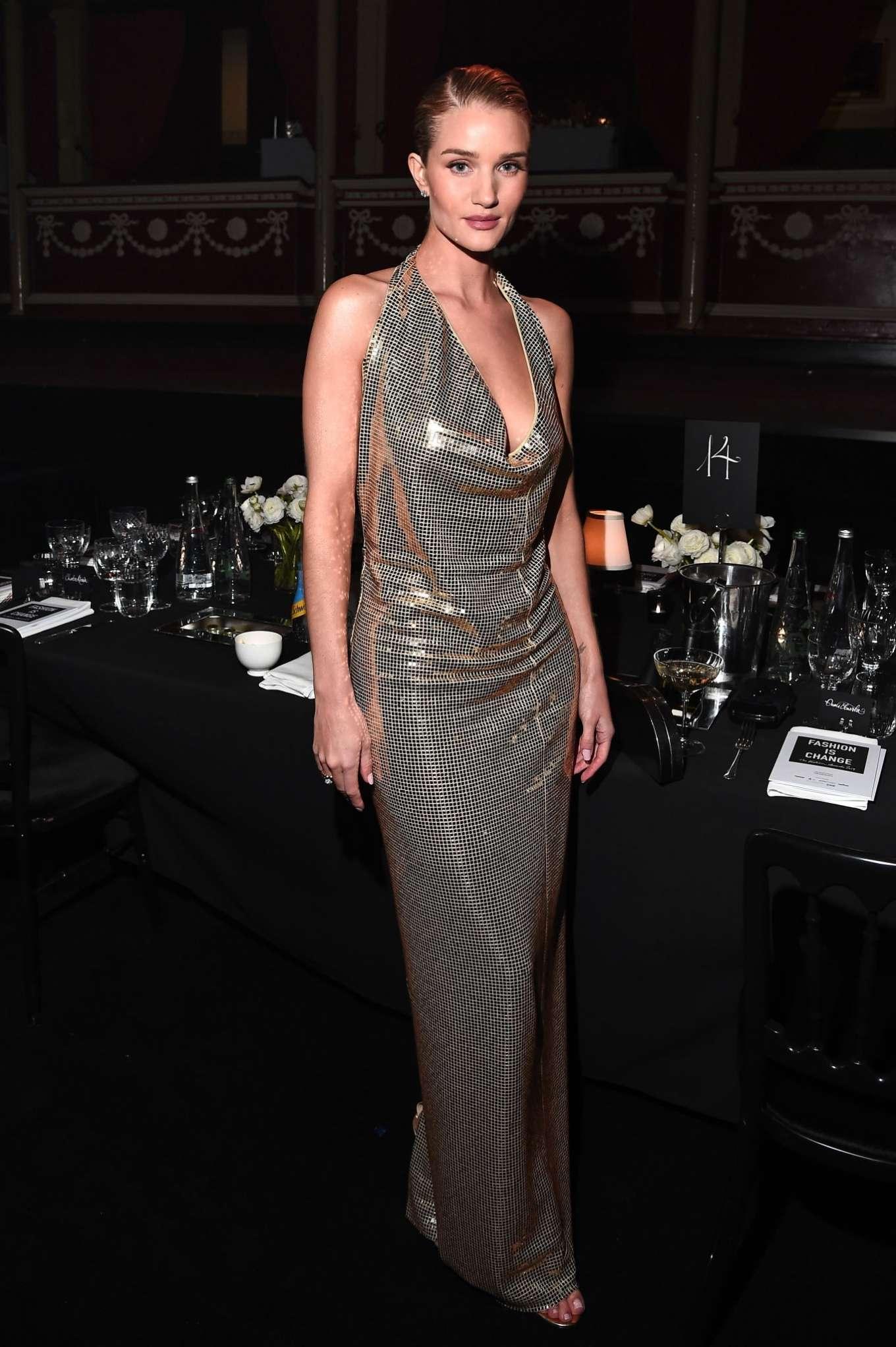 Rosie Hungtington Whiteley 2019 : Rosie Hungtington Whiteley – Fashion Awards 2019 in London-13