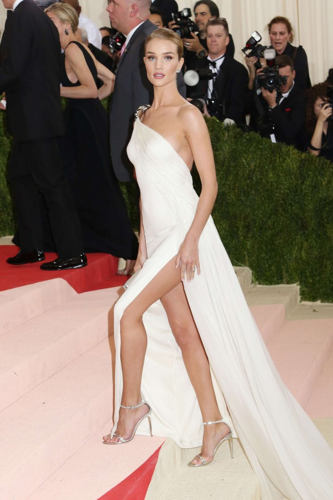 Rosie Huntington Whiteley - 2016 Met Gala in NYC