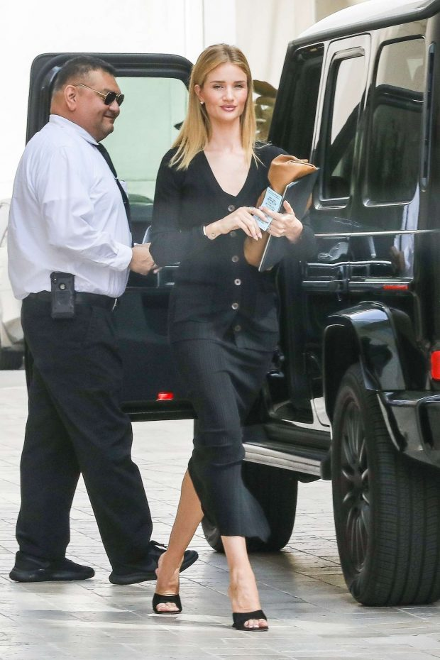 Rosie Huntington Whiteley - Arrives at a business meeting in Beverly Hills