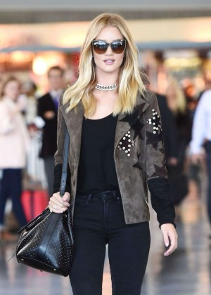 Rosie Huntington Whiteley - Arrives at JFK Airport in NY