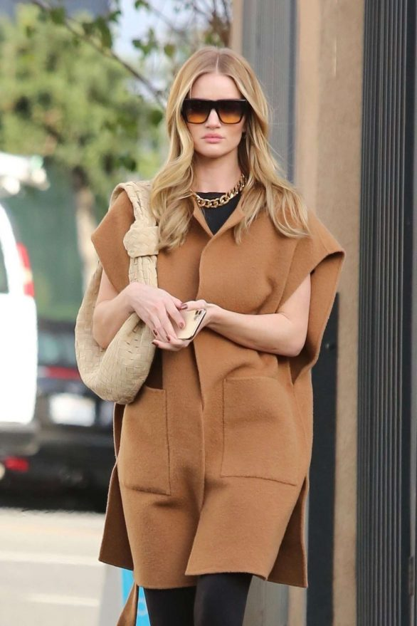 Rosie Huntington Whiteley - Arriving at a salon in Beverly Hills