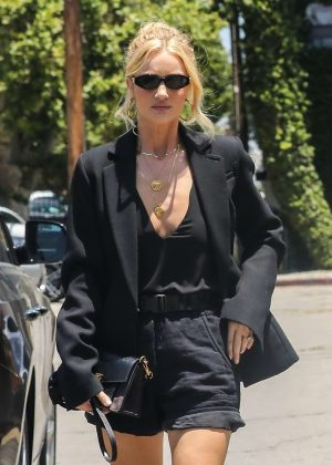 Rosie Huntington Whiteley - Arriving at an art gallery in Santa Monica
