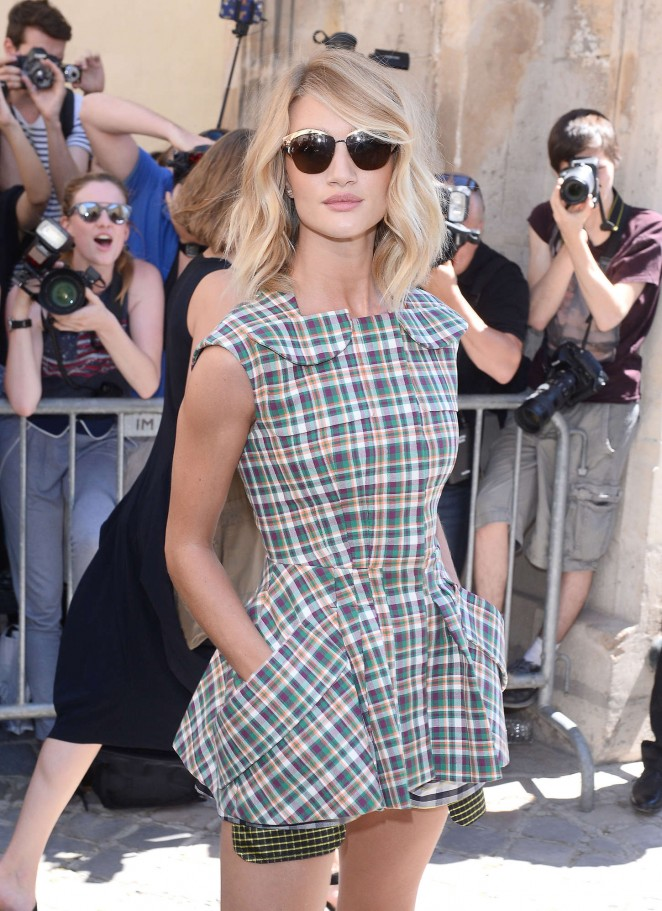 Rosie Huntington Whiteley - Christian Dior Show 2015 in Paris