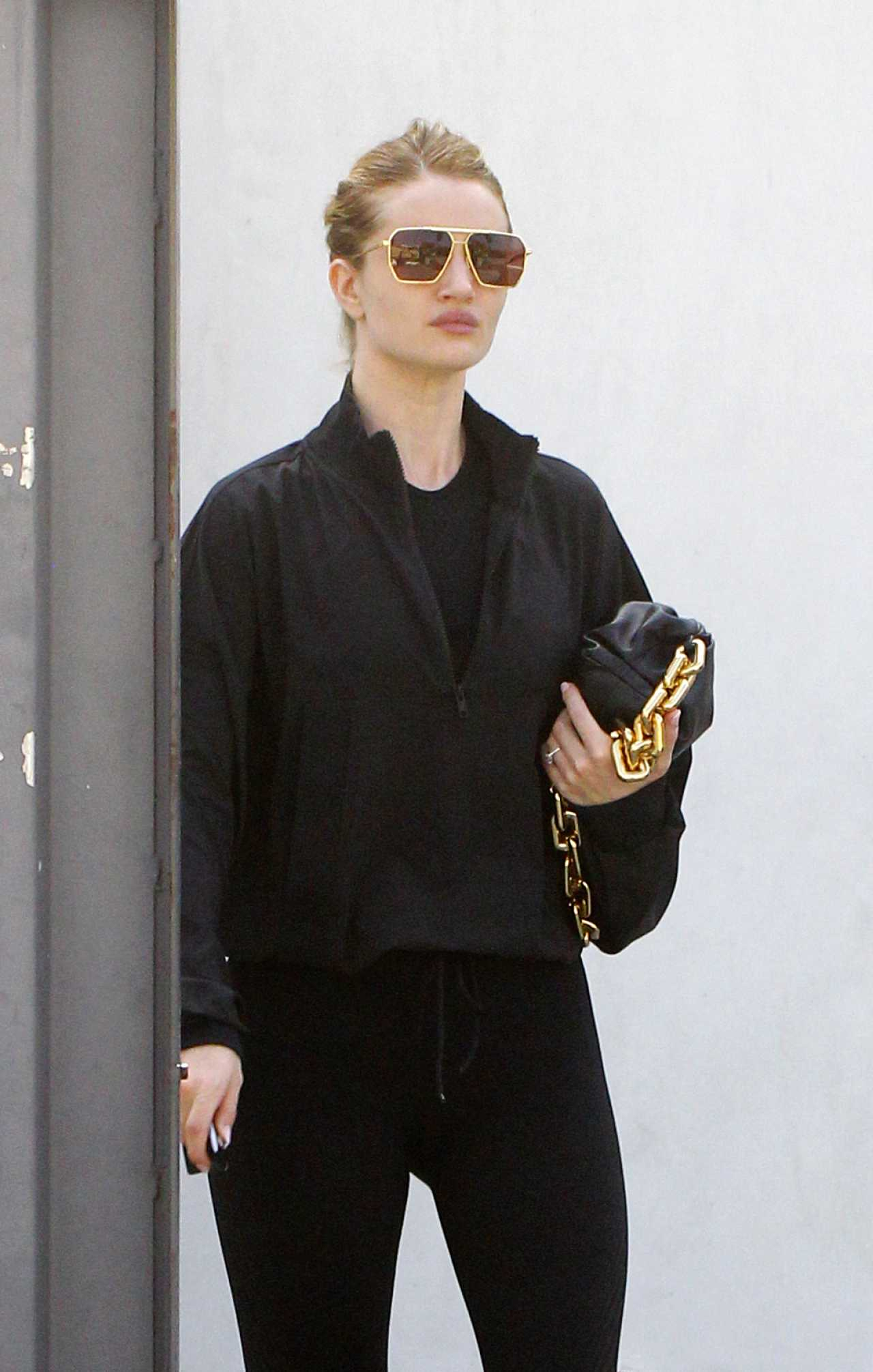 Rosie Huntington-Whiteley - Exiting a Gym After A Workout in Los Angeles