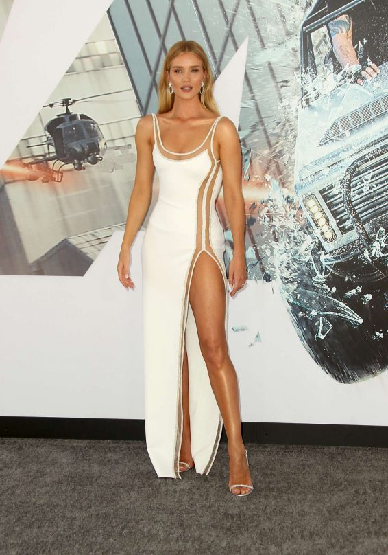 Rosie Huntington Whiteley 2019 : Rosie Huntington Whiteley – Fast and Furious Presents: Hobbs and Shaw Premiere-08