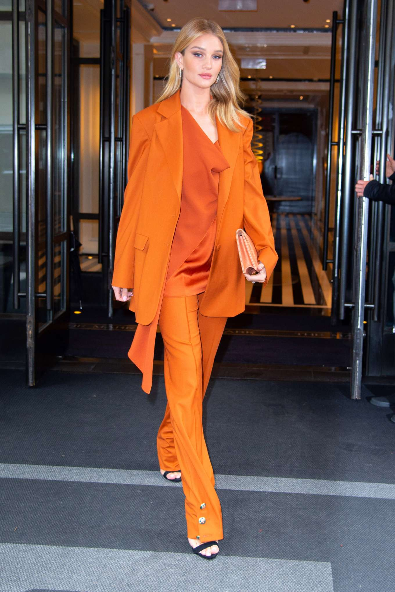 Rosie Huntington Whiteley - Heading out in NYC