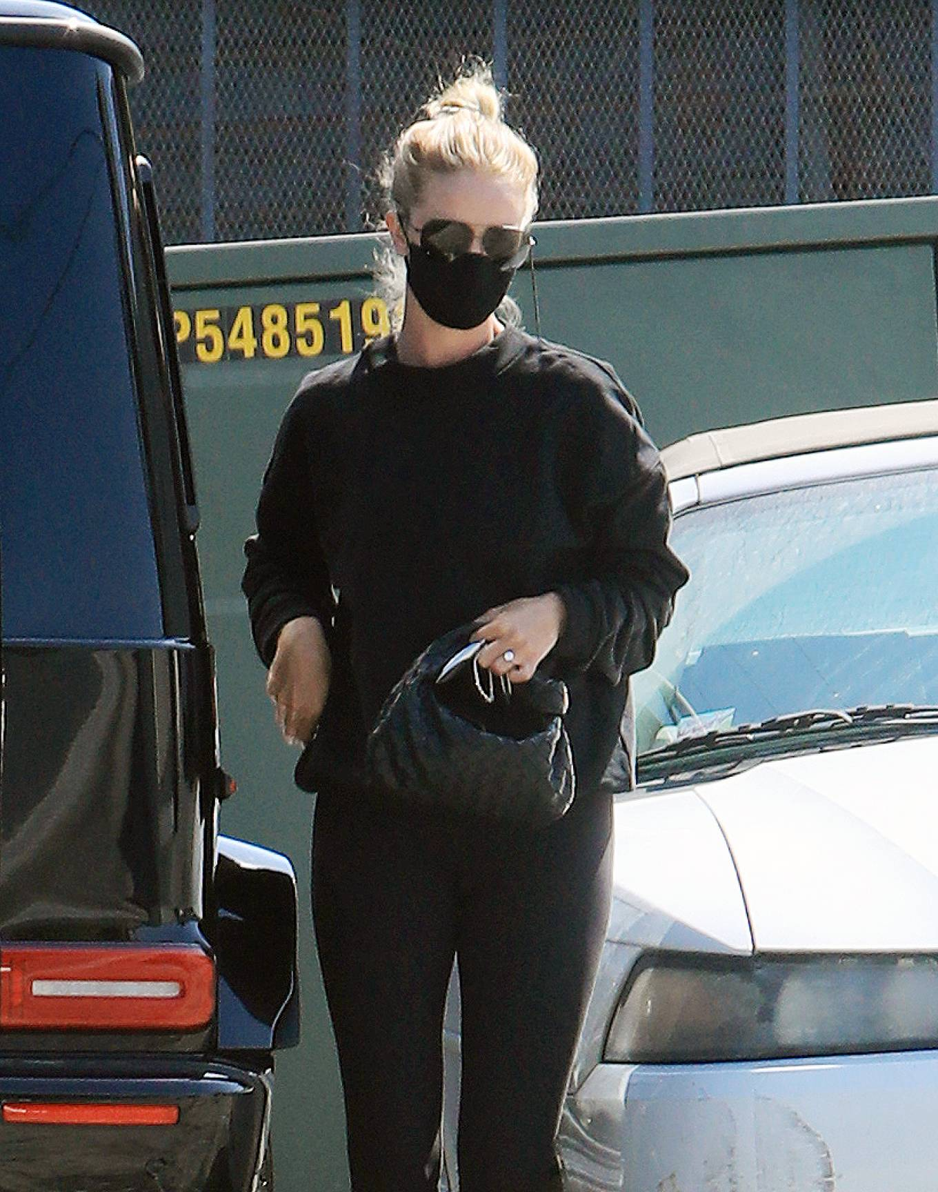Rosie Huntington-Whiteley - Heads to a gym in Los Angeles
