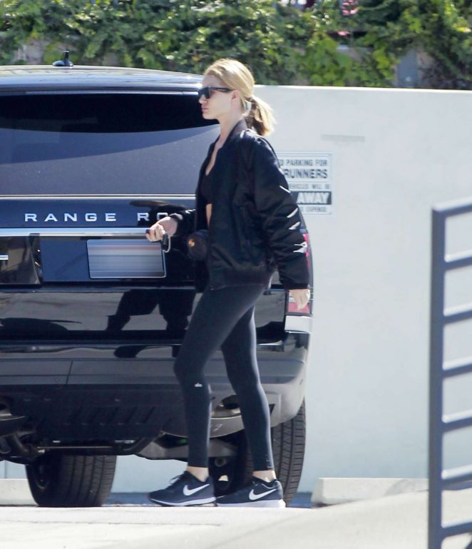 Rosie Huntington Whiteley - Hits the gym in Beverly Hills