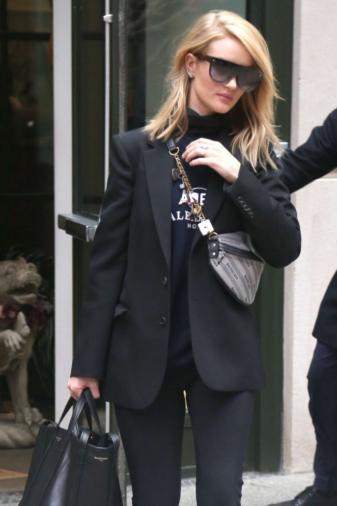 Rosie Huntington Whiteley in Black – Out in New York City