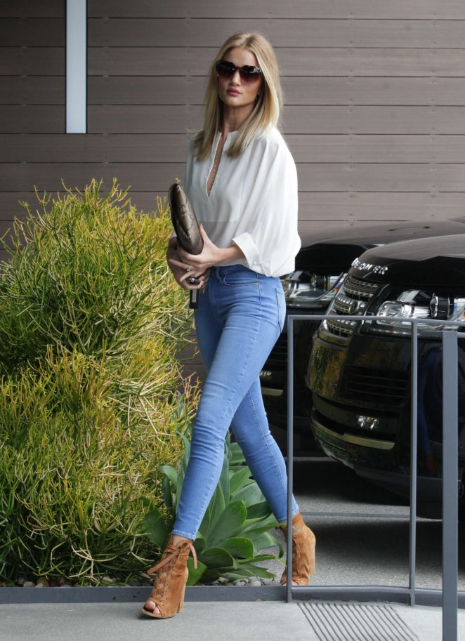 Rosie Huntington Whiteley in Jeans at Office building -05 ...
