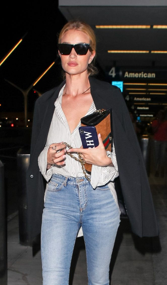 Rosie Huntington Whiteley in Jeans – Out in Los Angeles