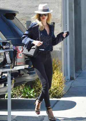 Rosie Huntington Whiteley in Skinny Jeans Out in West Hollywood