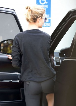 Rosie Huntington Whiteley in Spandex Leaves a pilates class in West Hollywood