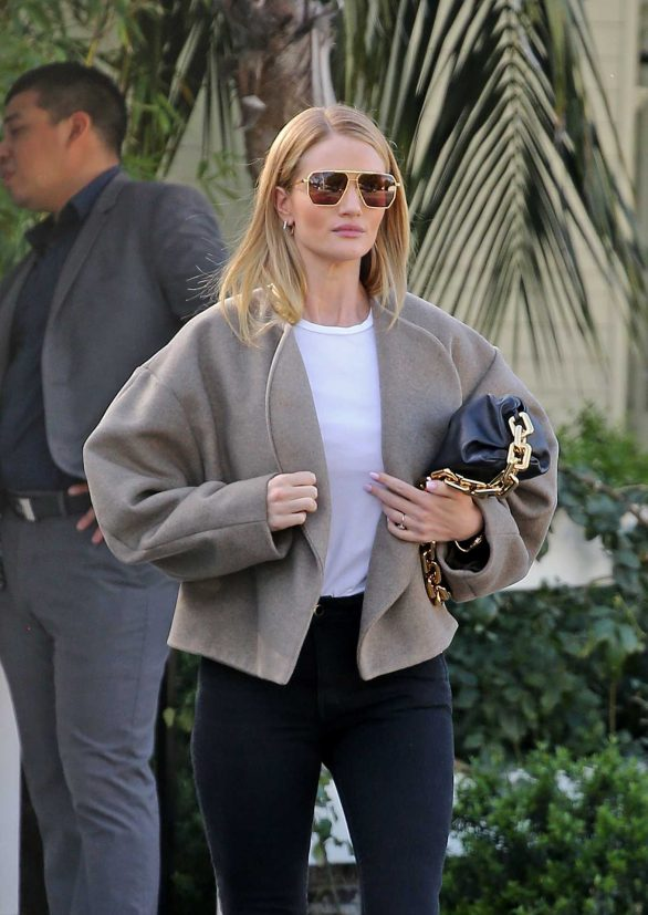 Rosie Huntington Whiteley - Leaves a lunch meeting in West Hollywood