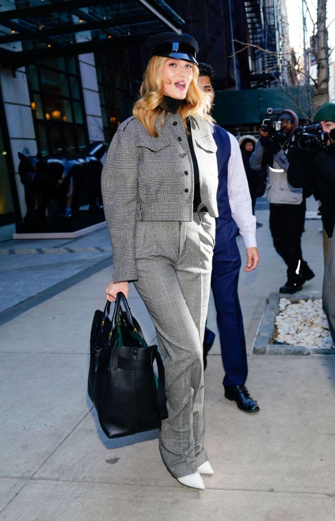 Rosie Huntington Whiteley - Leaves her hotel in NYC