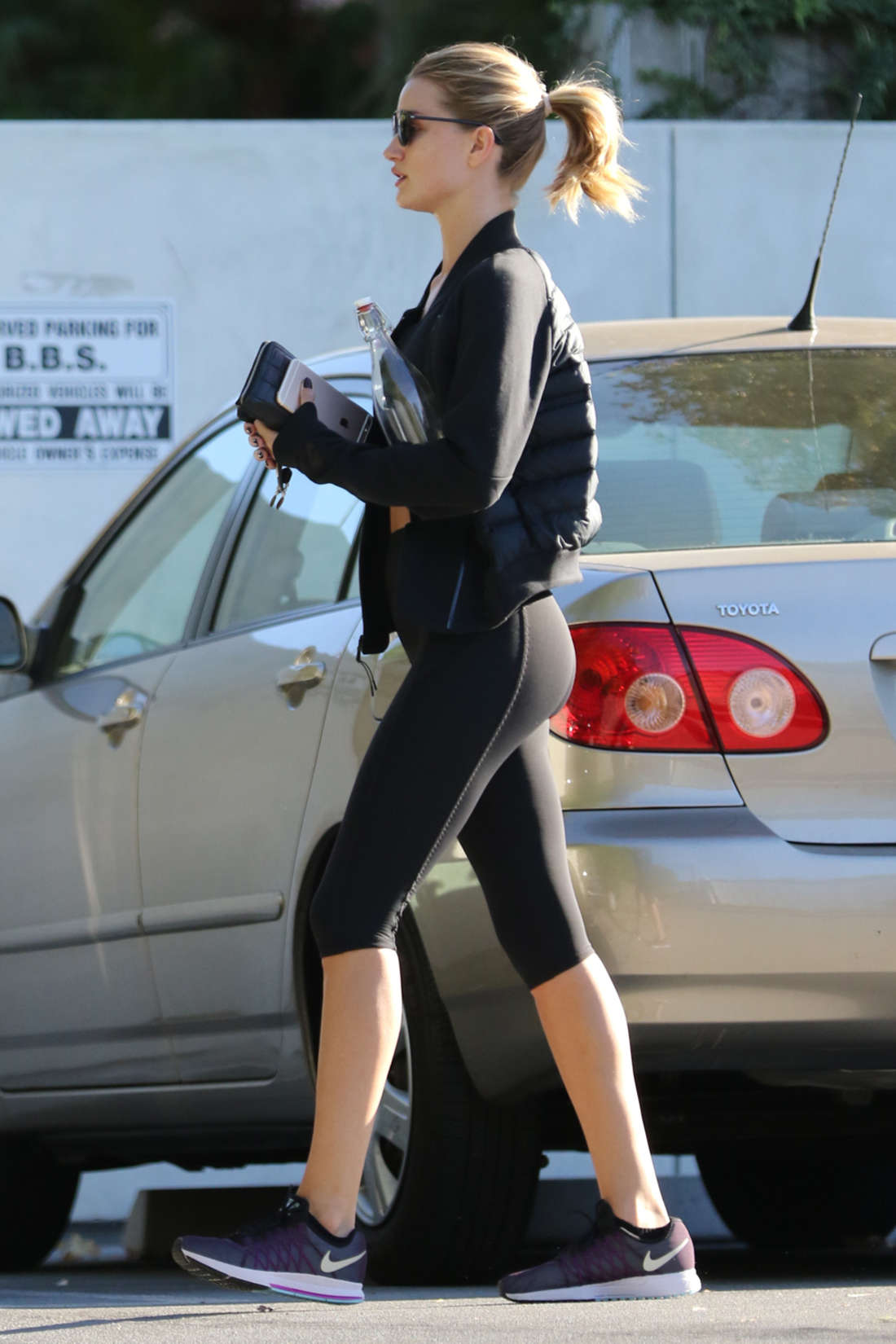 Rosie Huntington Whiteley Leaving a Gym in LA