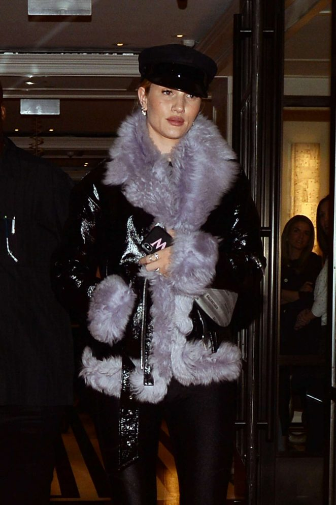 Rosie Huntington Whiteley – Leaving her hotel in New York City