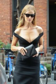 Rosie Huntington-Whiteley - Leaving her hotel in NYC