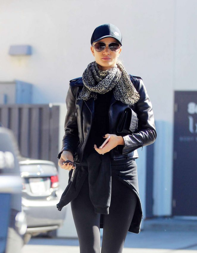 Rosie Huntington Whiteley Leaving the gym in Los Angeles