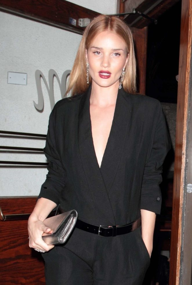 Rosie Huntington Whiteley – Leaving the Madeo restaurant in West Hollywood