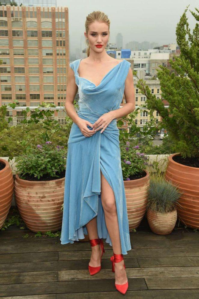 Rosie Huntington Whiteley - Oscar De La Renta Fashion Show in NY