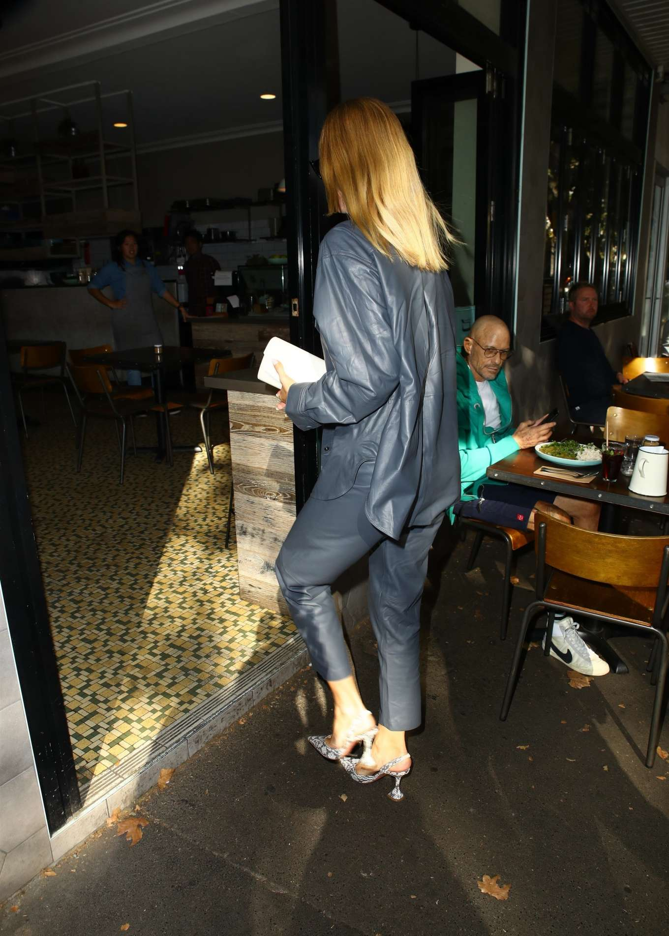 Rosie Huntington Whiteley 2019 : Rosie Huntington Whiteley: Out for coffee in Surry Hills-01
