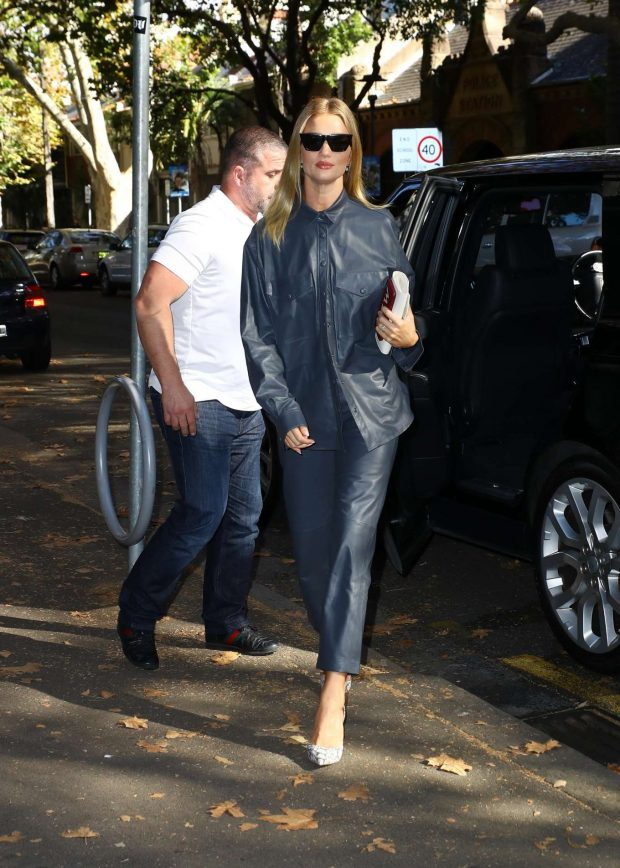 Rosie Huntington Whiteley 2019 : Rosie Huntington Whiteley: Out for coffee in Surry Hills-16