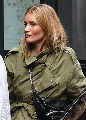 Rosie Huntington-Whiteley - Out In London