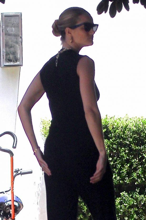 Rosie Huntington Whiteley - Returns home in Beverly Hills