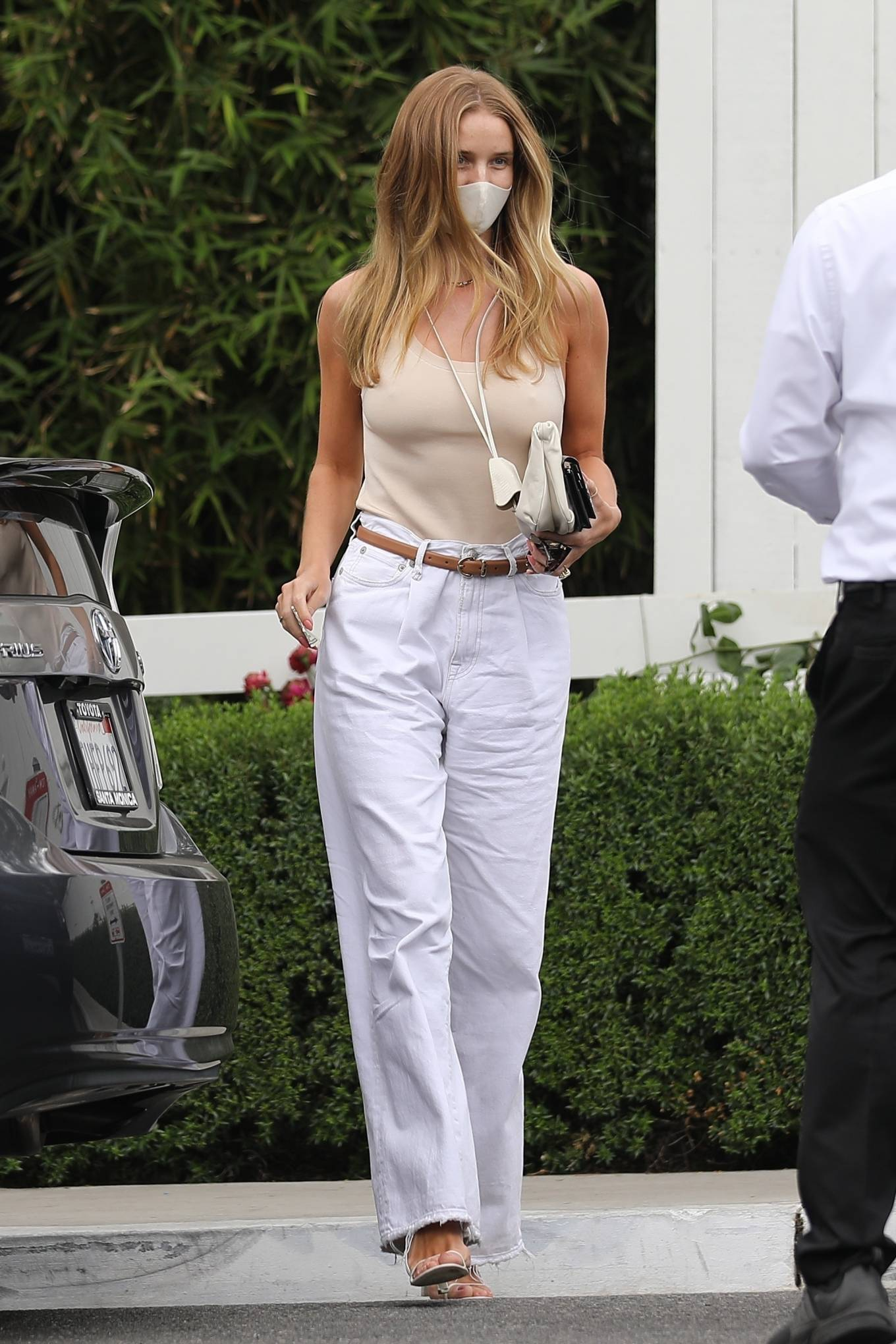 Rosie Huntington-Whiteley 2021 : Rosie Huntington-Whiteley – Seen at San Vicente Bungalows in West Holllywood-03