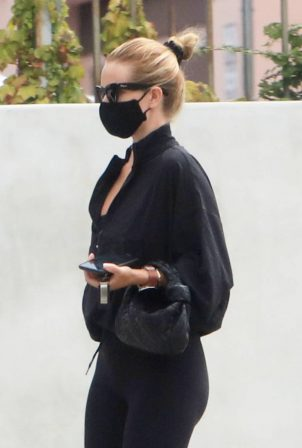 Rosie Huntington-Whiteley - Seen leaving a gym in West Hollywood