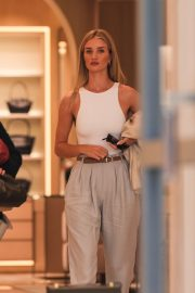Rosie Huntington Whiteley - Shopping at Bottega Veneta in Beverly Hills