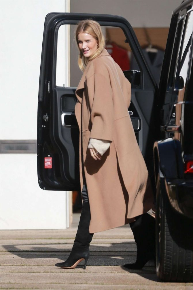 Rosie Huntington Whiteley - Visits a friend in Beverly Hills