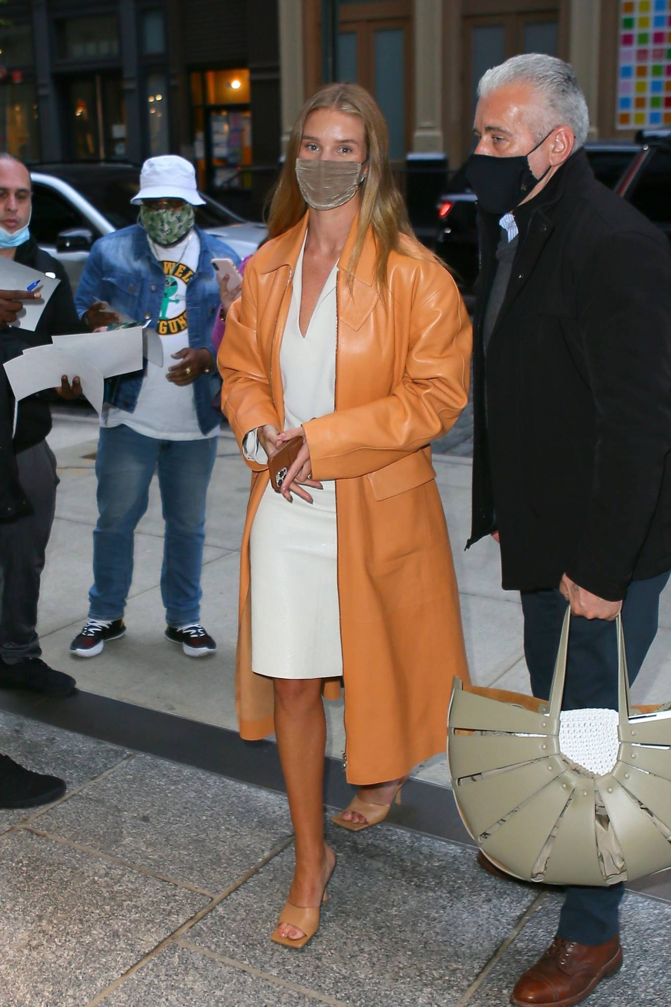 Rosie Huntington-Whiteley 2021 : Rosie Huntington-Whiteley – With a coral-hued trench coat in New York-04