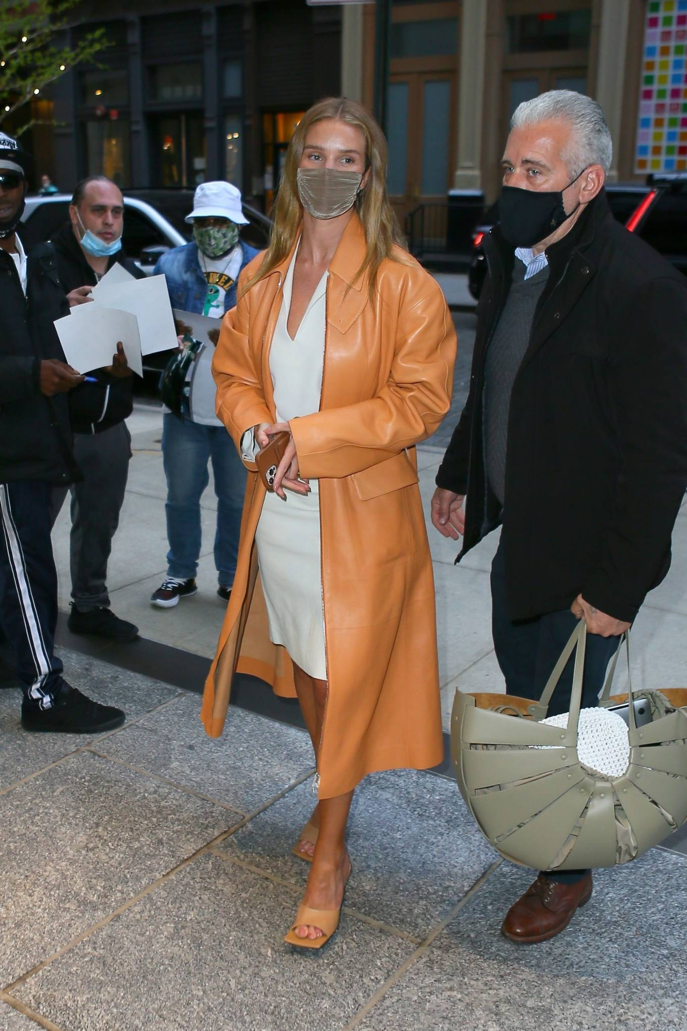 Rosie Huntington-Whiteley 2021 : Rosie Huntington-Whiteley – With a coral-hued trench coat in New York-10