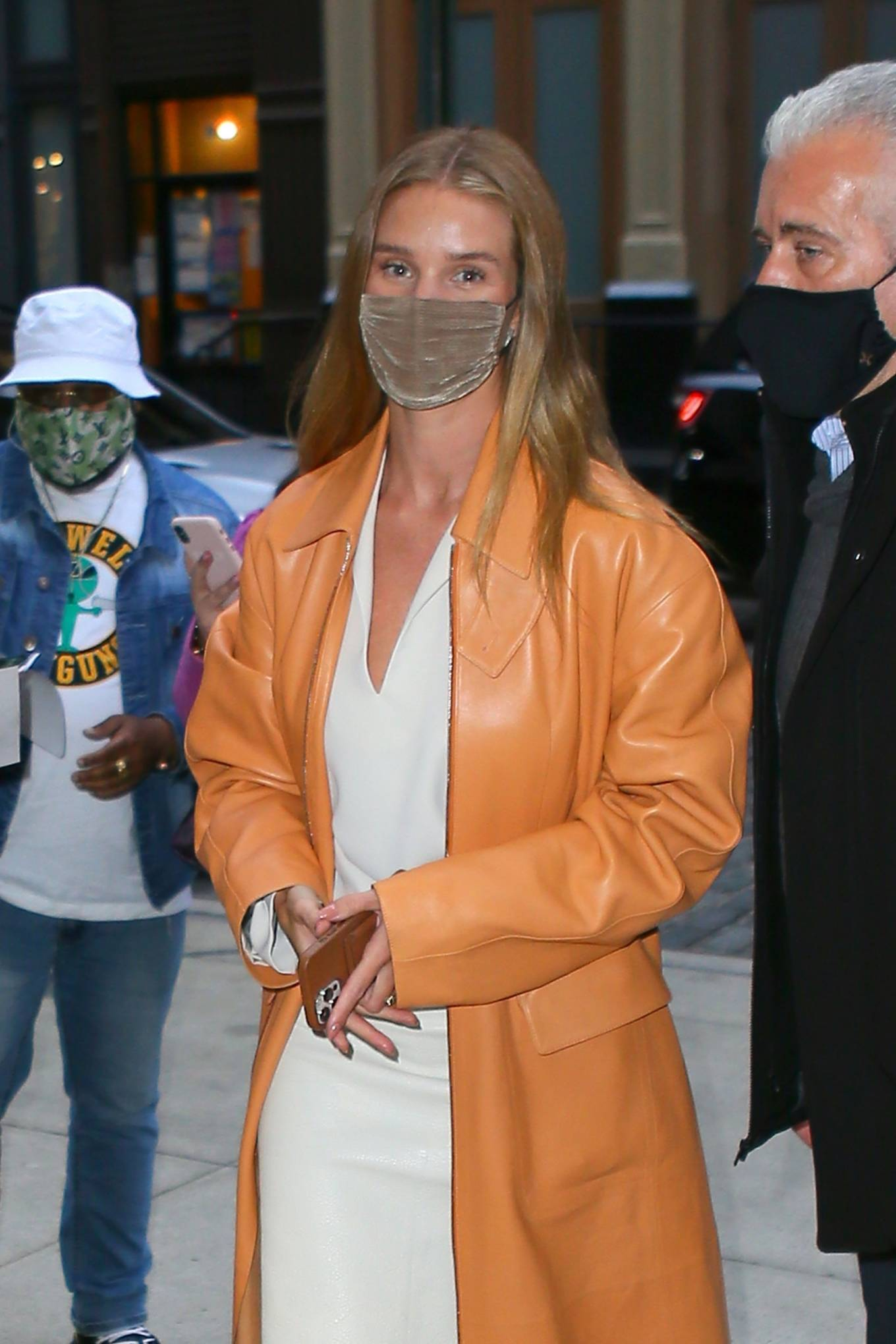 Rosie Huntington-Whiteley 2021 : Rosie Huntington-Whiteley – With a coral-hued trench coat in New York-14