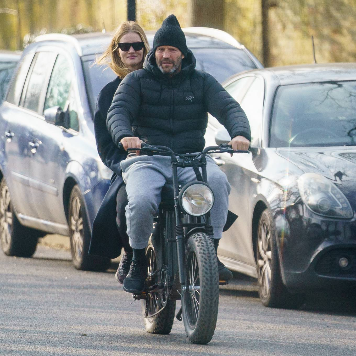 Rosie Huntington-Whiteley 2021 : Rosie Huntington-Whiteley – With Jason Statham ride electric bike in London-10
