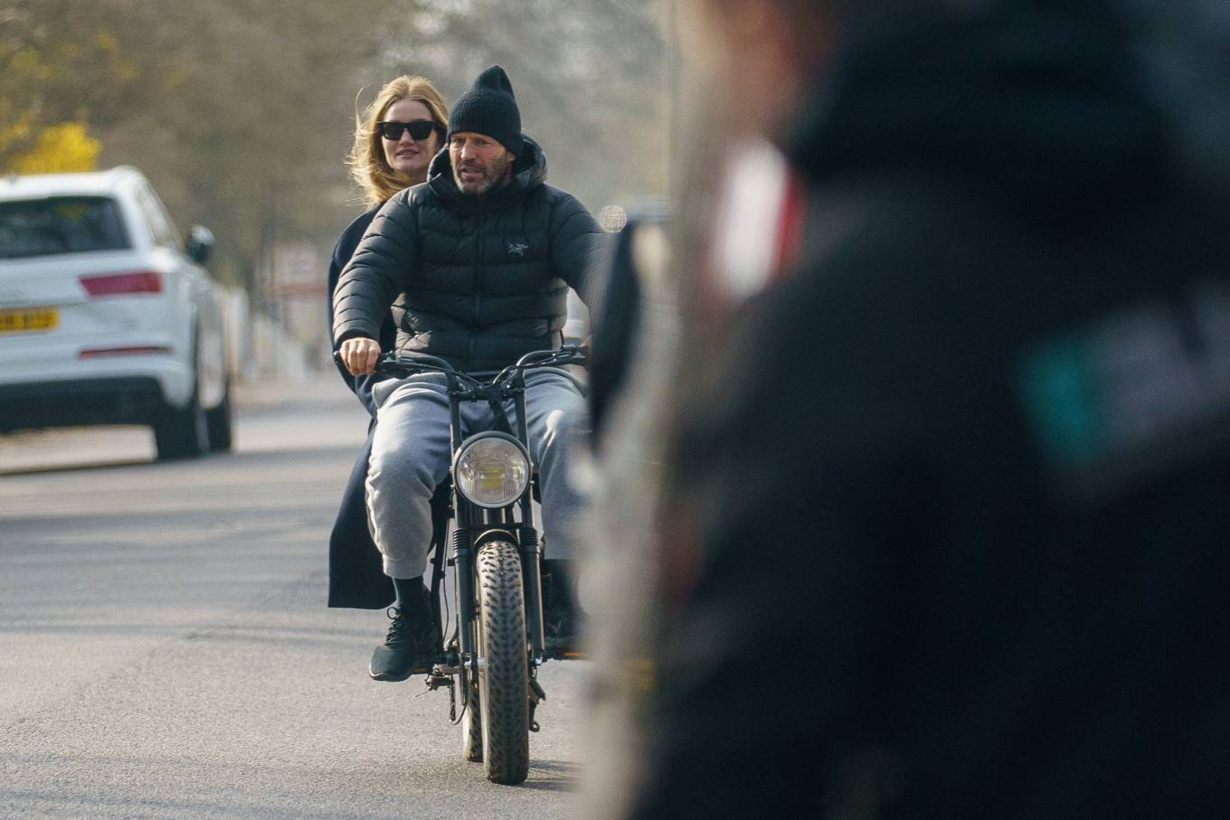 Rosie Huntington-Whiteley 2021 : Rosie Huntington-Whiteley – With Jason Statham ride electric bike in London-13