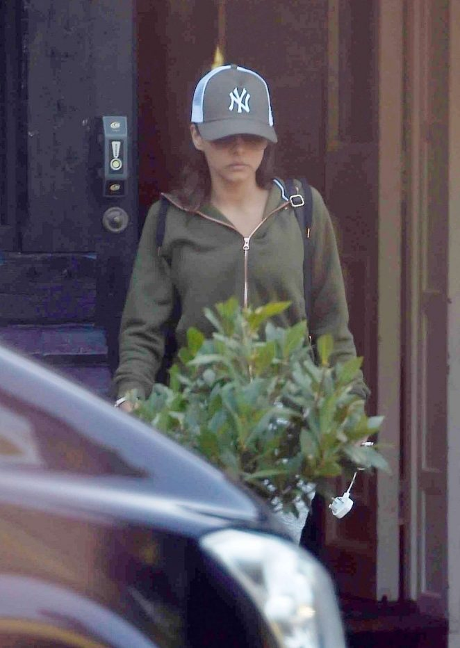 Roxanne Pallett – Leaving Celebrity Big Brother house in London